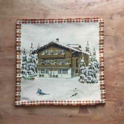 kussenhoes chalet - wintersportcadeautjes van sportcadeautjes