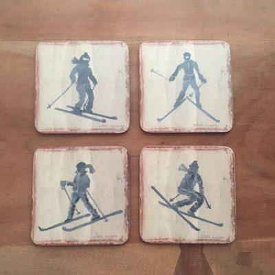 4 onderzetters met skiers - skicadeau van sportcadeautjes